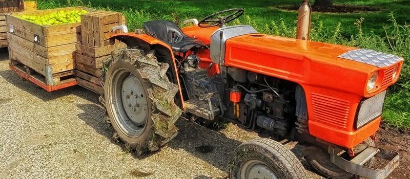 tractor-lease-vs-loan